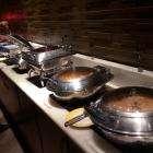 Рис, лапша, два вида мяса, два вида приготовления яиц, какие-то каши - тоже два вида.