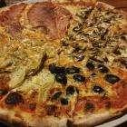 и пицца  тоже  есть в тае